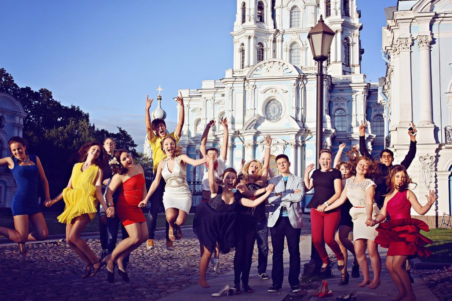 fotohrov-na-vypusknoy̆-v-shkole-02