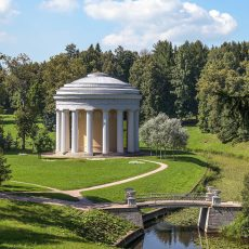 land_temple_of_friendship_in_pavlovsk_park_01